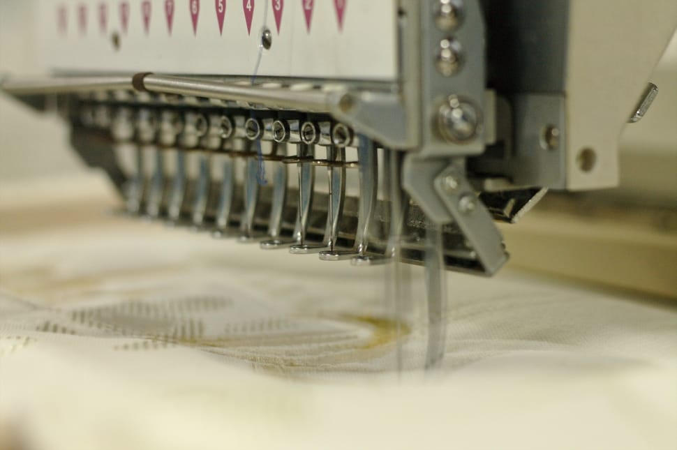 embroiderer-sewing-cloth-tissue-wallpaper-preview.jpg