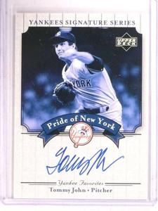 2003 Upper Deck Yankees Signature Series Tommy John autograph auto *68431