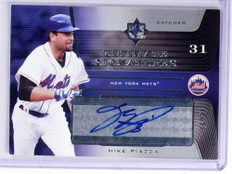 2004 Ultimate Collection Signatures Mike Piazza autograph auto #D16/25 *71995