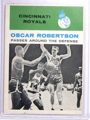 SOLD 10717 1961-62 Fleer Oscar Robertson IA Rookie RC #61 VG *63933
