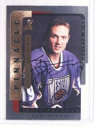 SOLD 16104 1996-97 Be a Player Link 2 History Steve Yzerman autograph auto #LTH-9B *69670