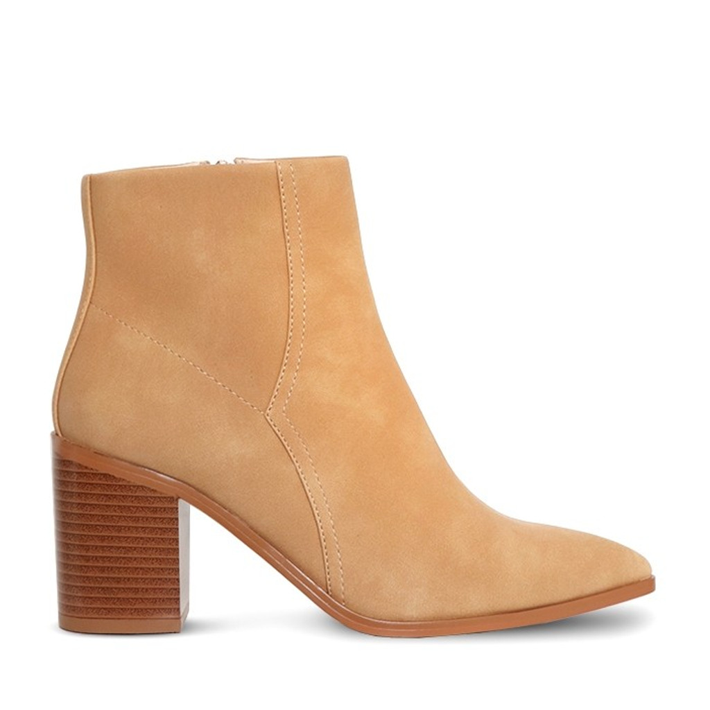 A:List Thurman Boot Camel