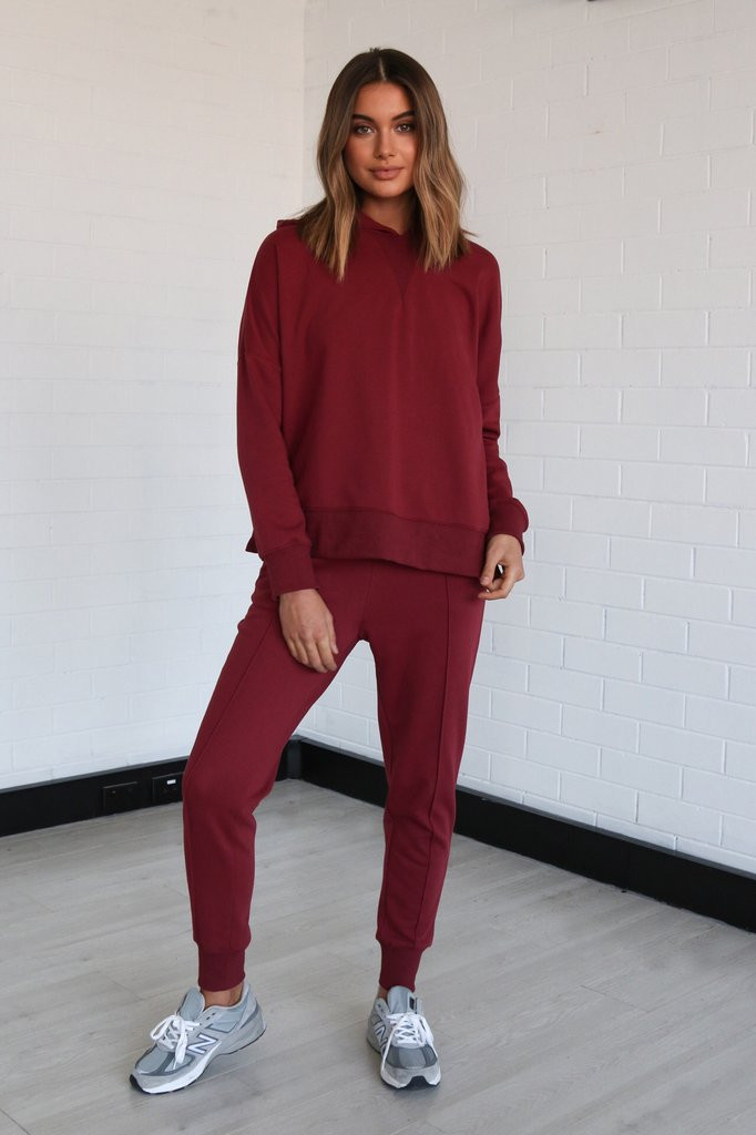 Madison The Label Billie Joggers Wine