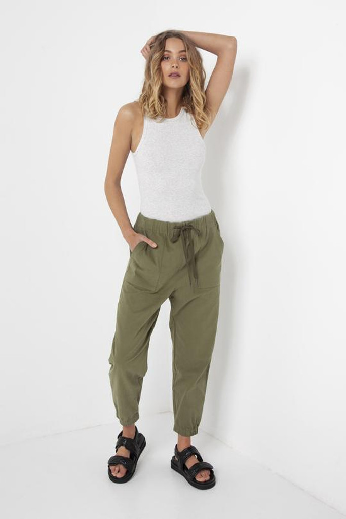 Madison The Label Cara Joggers Khaki