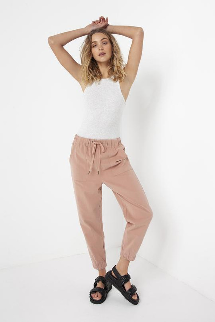 Madison The Label Cara Joggers Musk