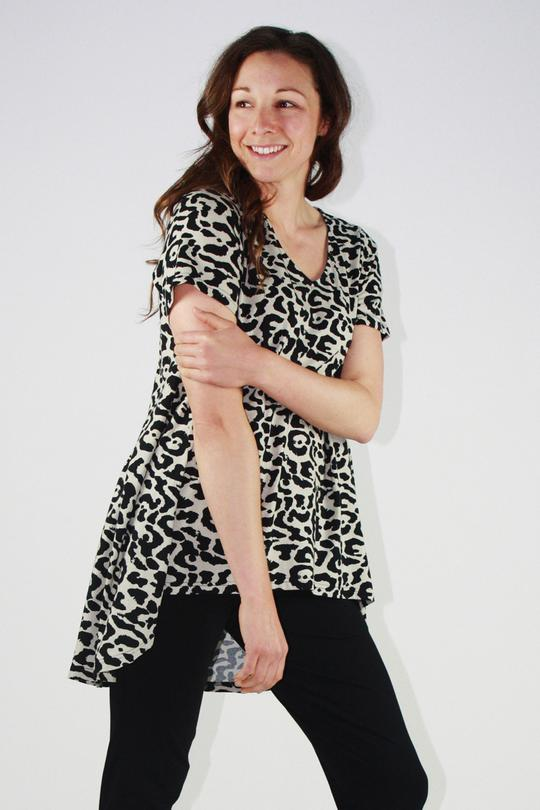 One Ten Willow V Neck DB Tee Khaki Animal Print