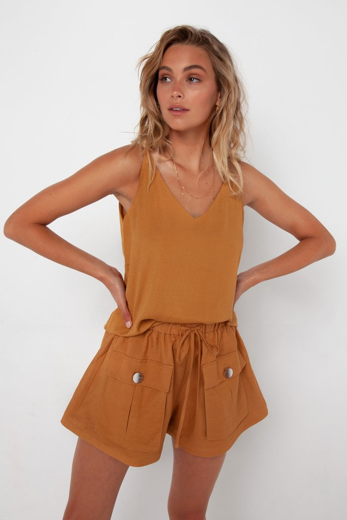 Madison The Label Calli Shorts Camel