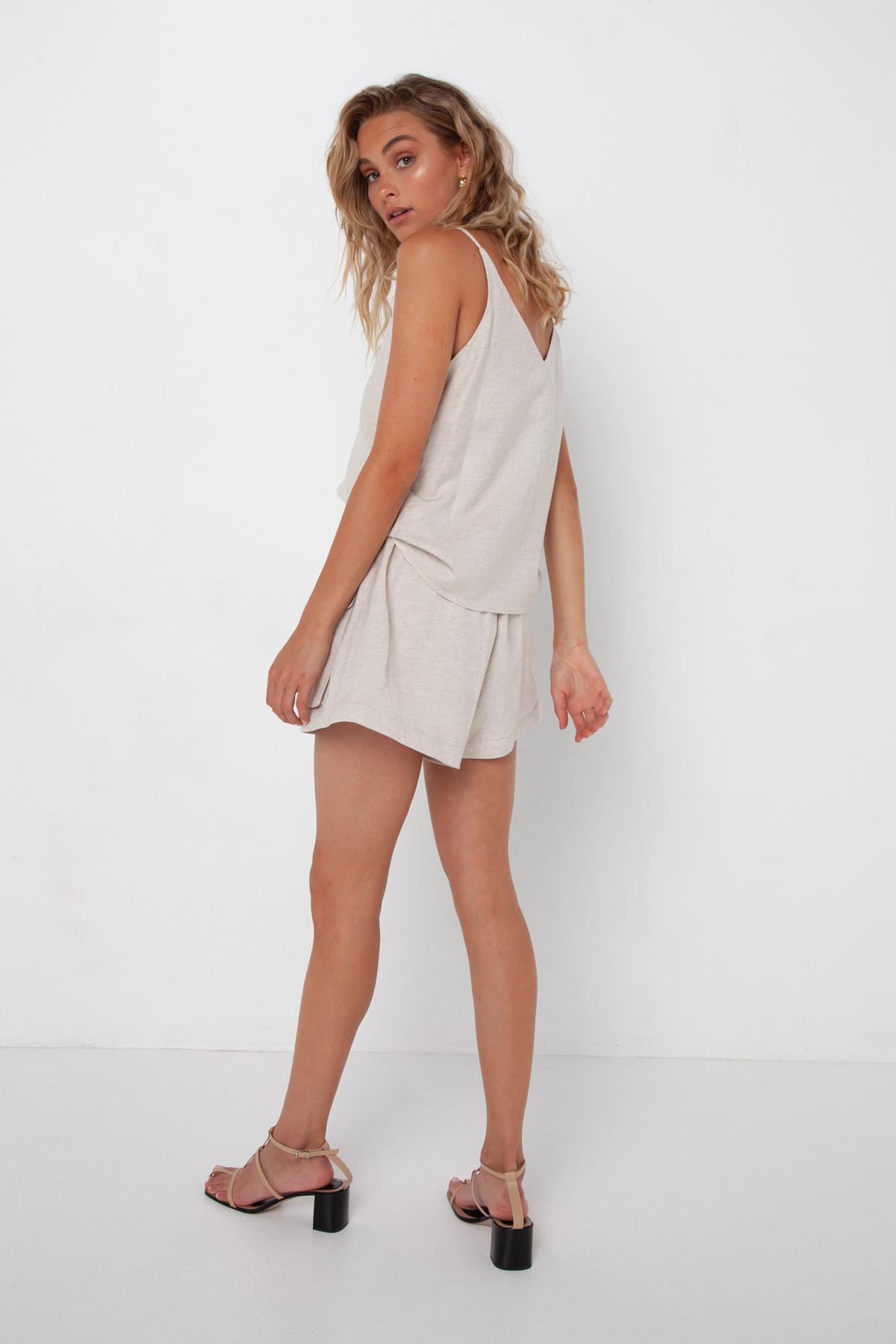 Madison The Label Calli Shorts Stone