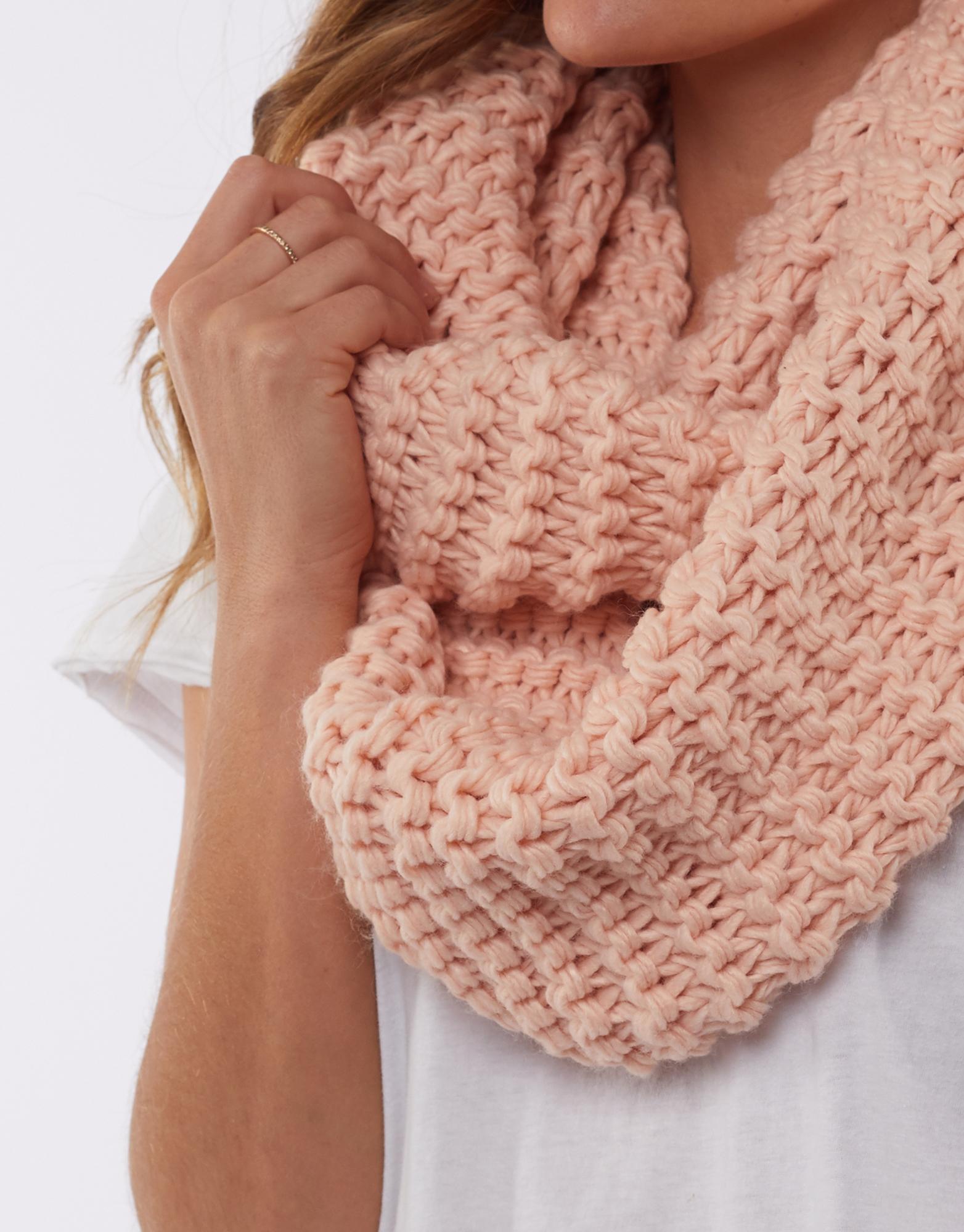Elm Organic Loop Scarf Pink