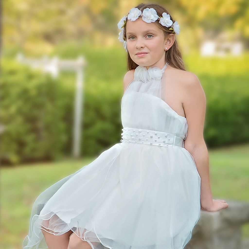 f6c9cbcb0 The Age-old, Fascinating Story of the Flower Girl:
