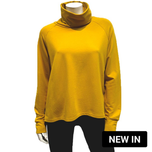 Gilmour Gold Terry Crop Turtleneck