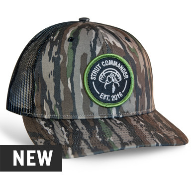 b4adc240c2b2d DESCRIPTION  •Original Realtree® Camo pattern •Embroidered patch •Black  Mesh back for ...