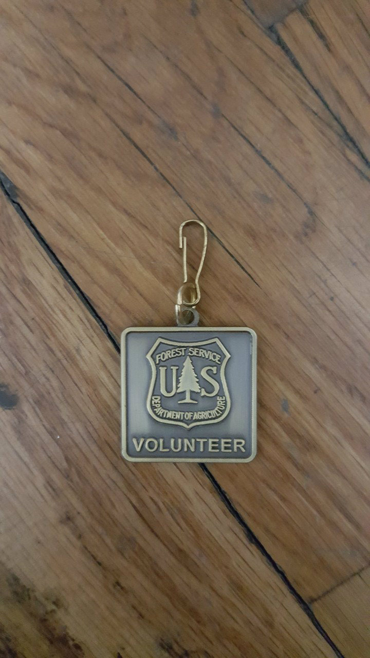 Forest Service Volunteer New Zipper Pull