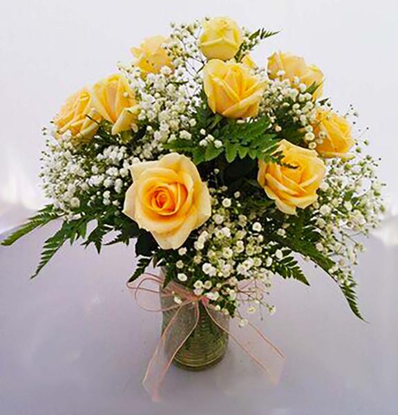dozen roses vase, peach