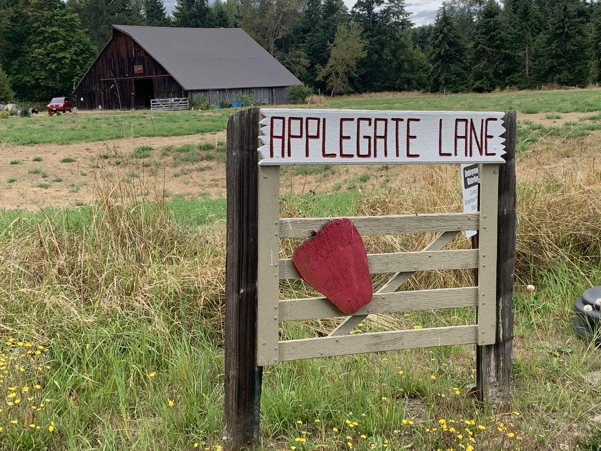 applegate-lane-sign.jpeg