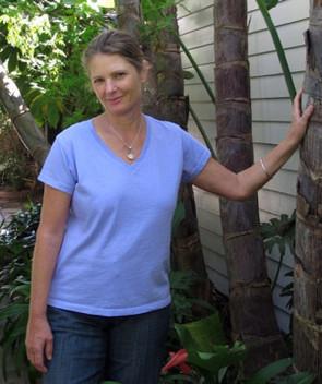 Women's Prairie Cotton Relax Short Sleeve V Neck Tee