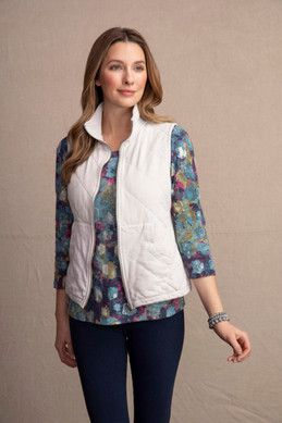 Women's Habitat Quilted Angeled Pocket Vest