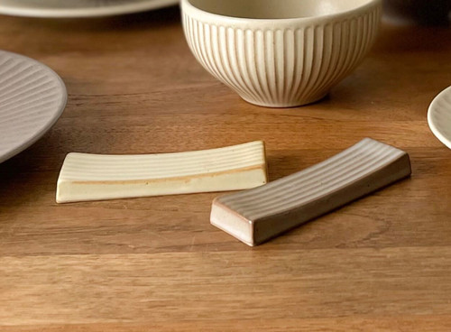 Handmade Ceramics Onseo Chopstick holderl in Oatmeal and Taupe Colour.