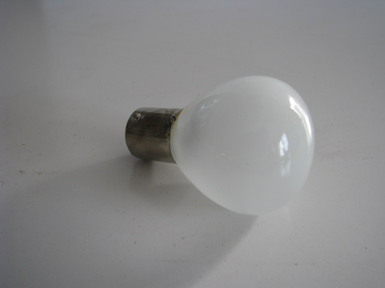 #1139 12V Bulb Pack of 2 (18-1038) SIDE VIEW OF BULB
