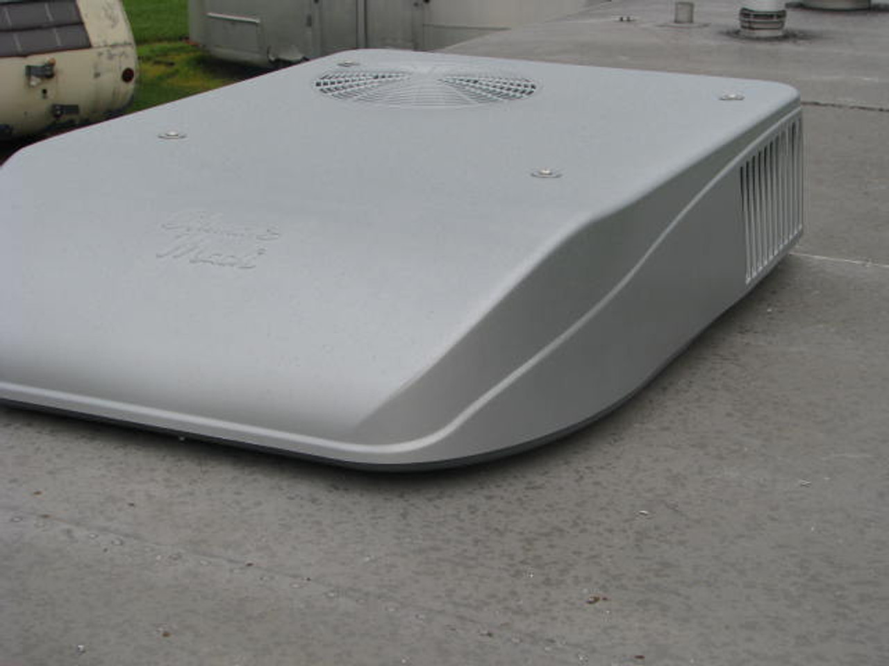 Coleman Mach 8 Plus Air Conditioner (08-2000)