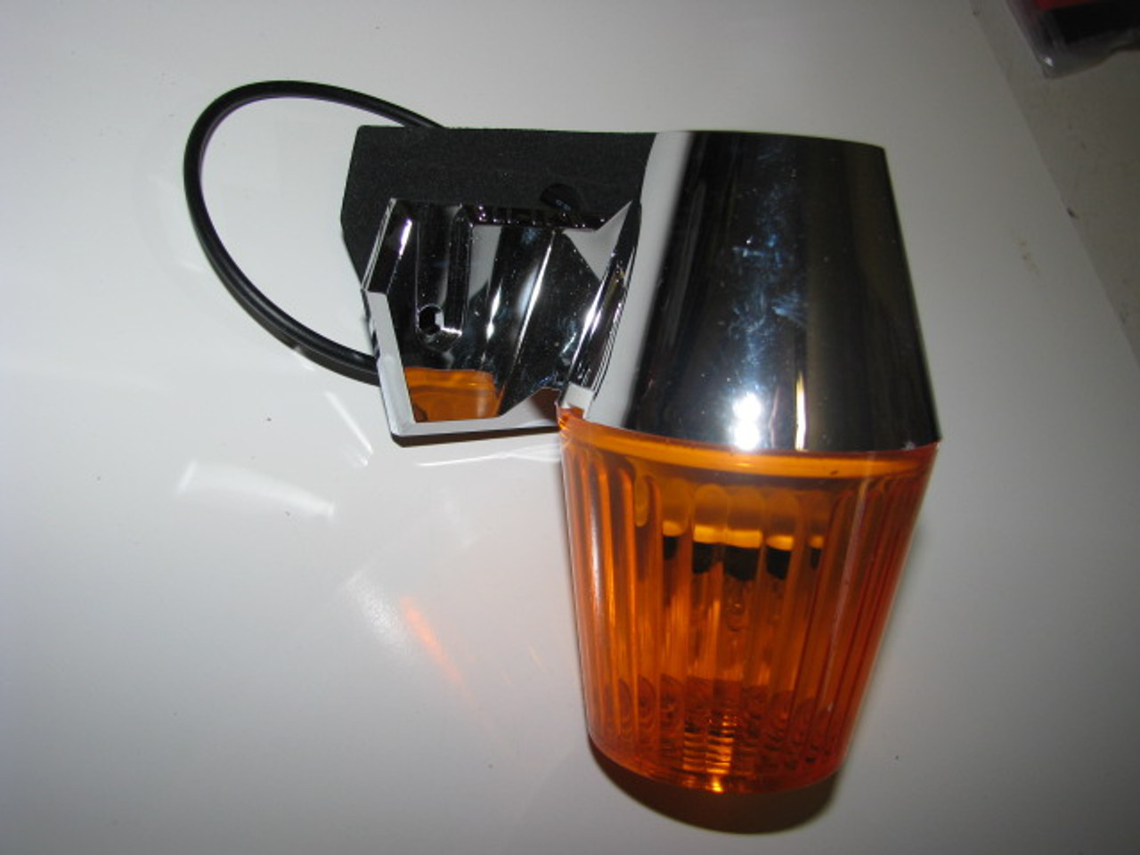 Porch Light with Amber lens (12 Volt) (CLT018)