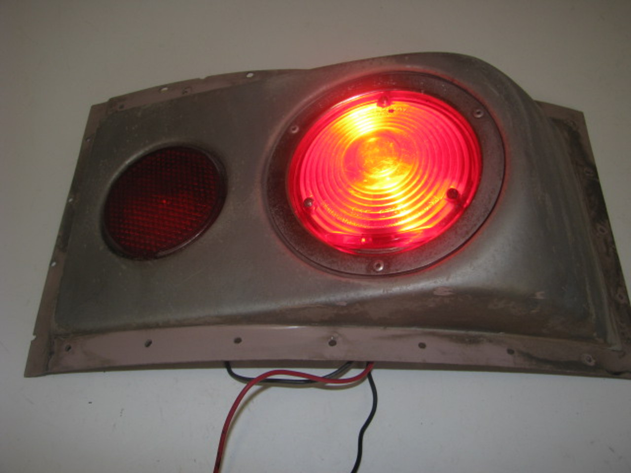 Airstream Taillight Assembly (LT245)