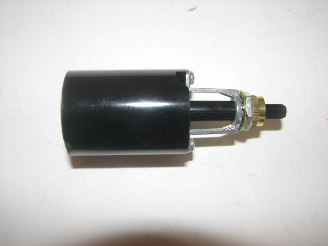 Bakelite Socket with Bottom Switch (CLT065) SIDE VIEW