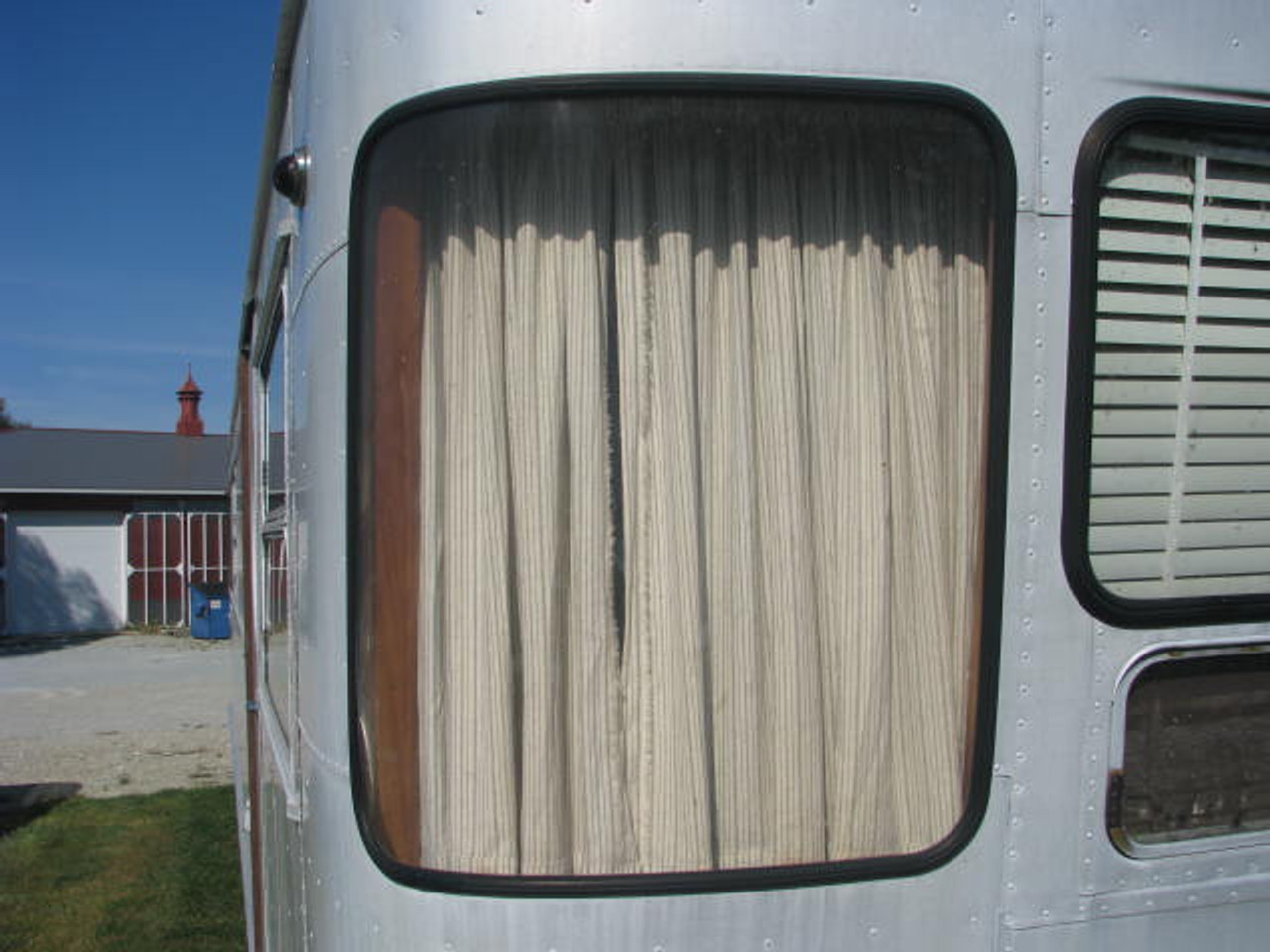 Spartan Front Side Curved Polycarbonate Window (1953-1955) (CBP015)