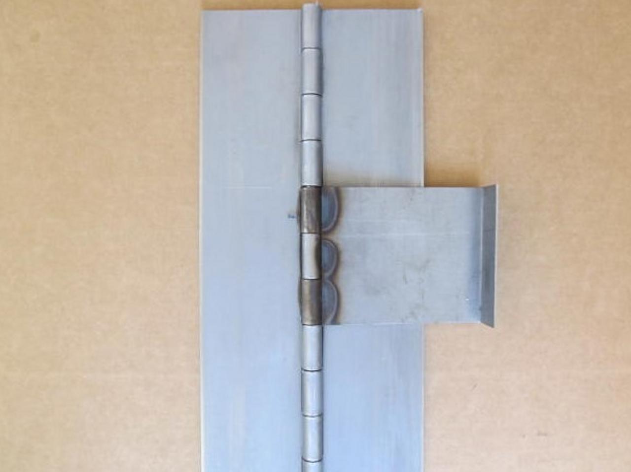 1947-1953 Spartan Door Hinge - (CHW152) ZOOMED VIEW