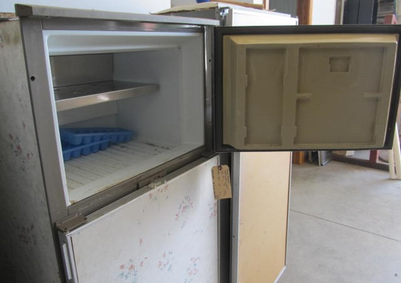 "Dometic Gas/Electric Refridgerator 24""x 57"" (AP118)"