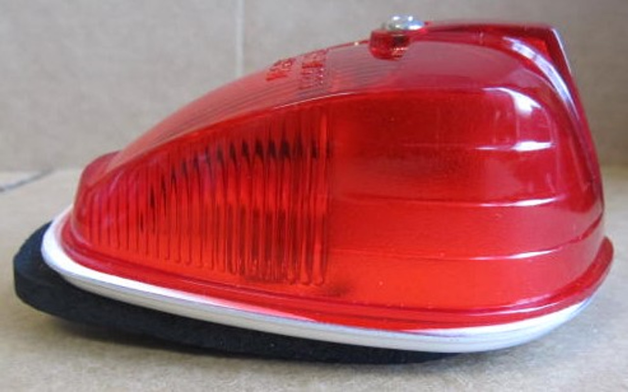Arrow Marker Light #53 - Red Complete Light with (cracked lens) (LT427)