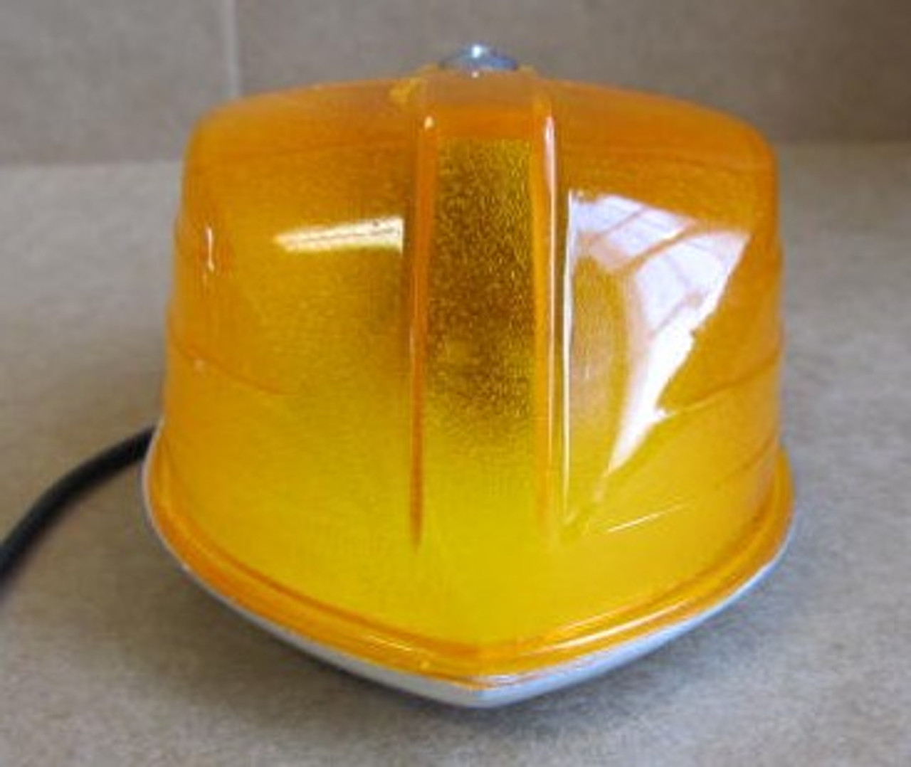 Amber Arrow Marker Light #53 - Complete Light with (cracked lens) (LT428)