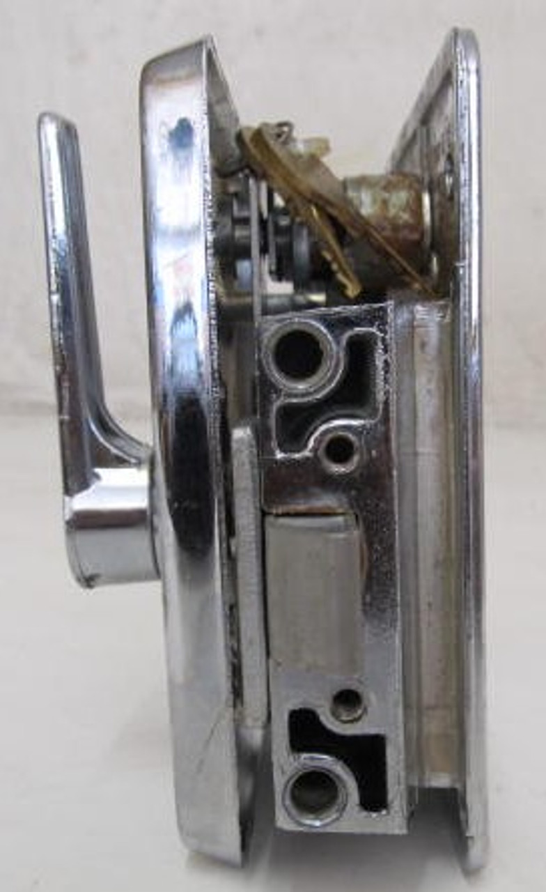 Bargman L-300 Lock (missing striker plate) (HW375)