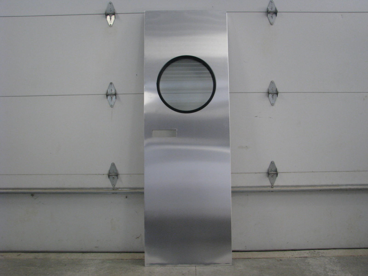 "24""x73"" Spartan LH Aluminum Entry Door w/ Round Window (1953-1955) (CBP053)"