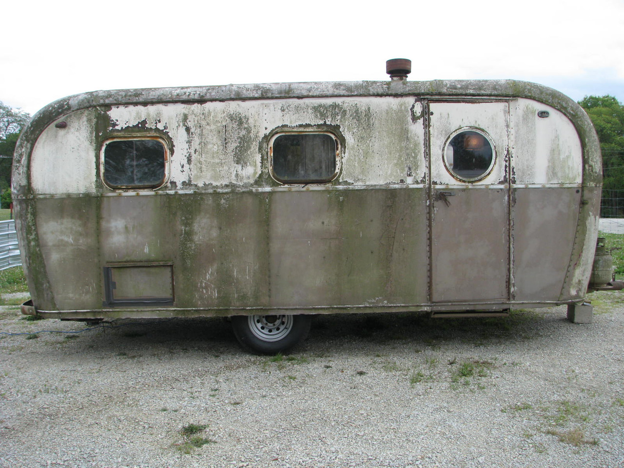 1948 Alma 21' Camper #A953