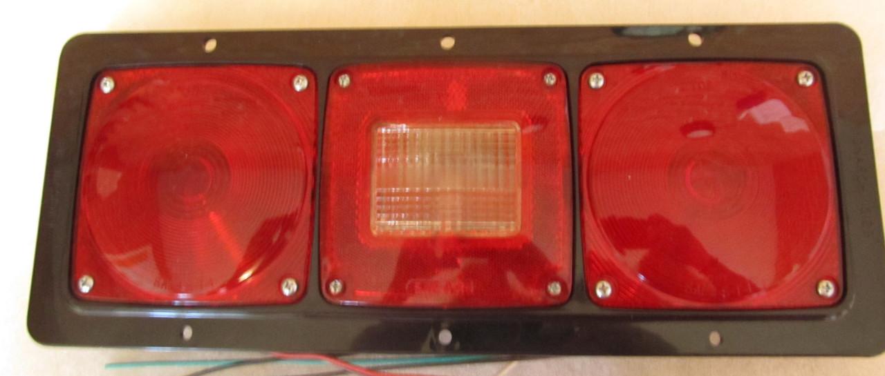 Monarch 5129 Complete Tail Light (LT512)
