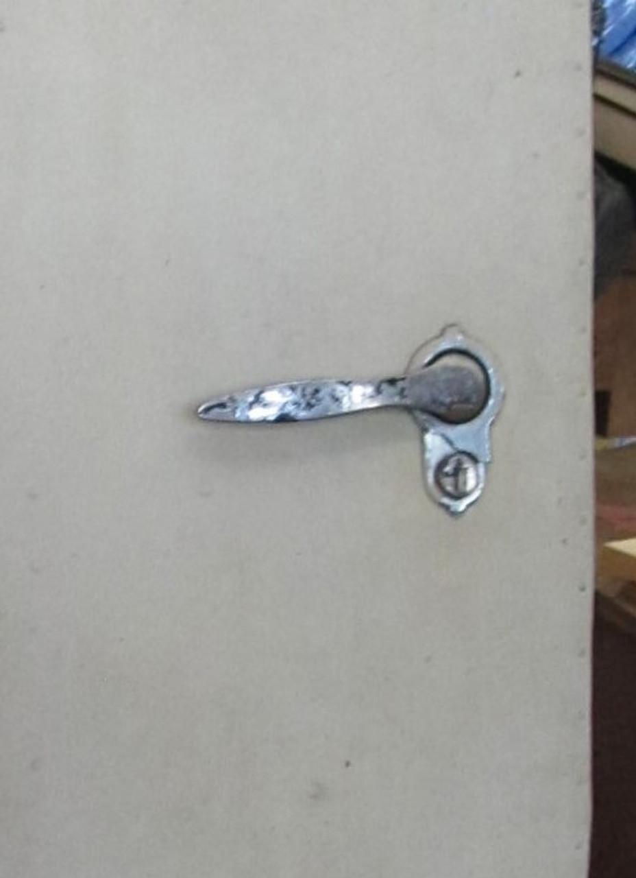 Left Hand Entry Door w/round window (BP371)