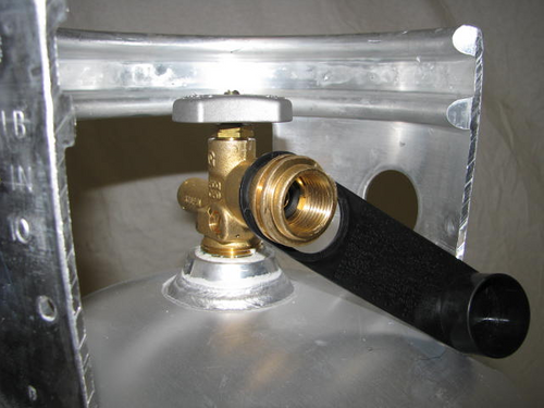 40 LB. Aluminum LP Tank - (CLP005) ZOOMED VIEW OF VALVE