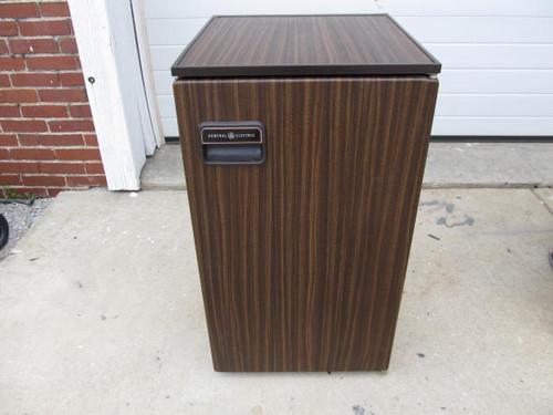 General Electric Refrigerator (AP094)