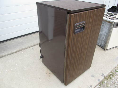 General Electric Refrigerator (AP094)