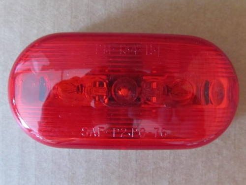 Peterson Clearance Light- Red (18-3053)