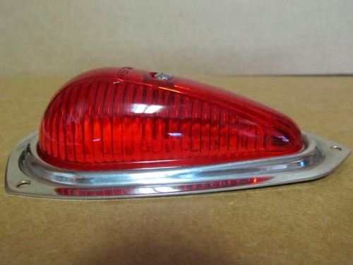 Reproduction Teardrop Clearance Light-Red (CLT106)  Side view