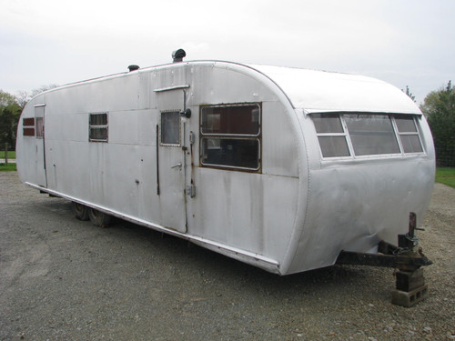 1952 Royal Spartanette 35' #A4015