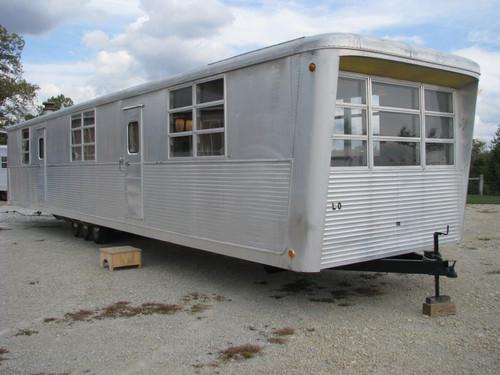 1960 Spartan Carousel #S040