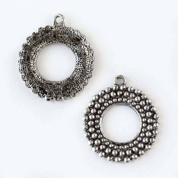 Silver Pewter 25x30mm Round Dotted Donut/Wreath Pendant - 4 per bag