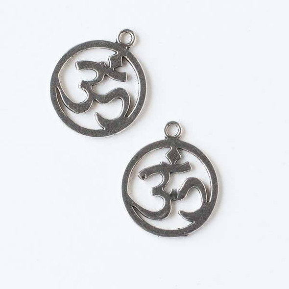 Silver Pewter 19x22mm Coin Shaped Om Ohm Aum Charm - 10 per bag