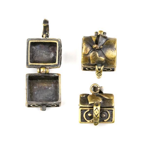Vintage Bronze 12x15x21mm Treasure Chest Prayer Box with Hearts - 1 per bag