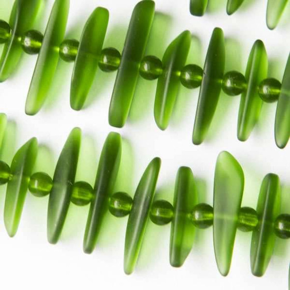 Matte Glass, Sea Glass Style 6-8x19-25mm Emerald Green Fish Bone alternating with 4mm Rounds - 8 inch strand