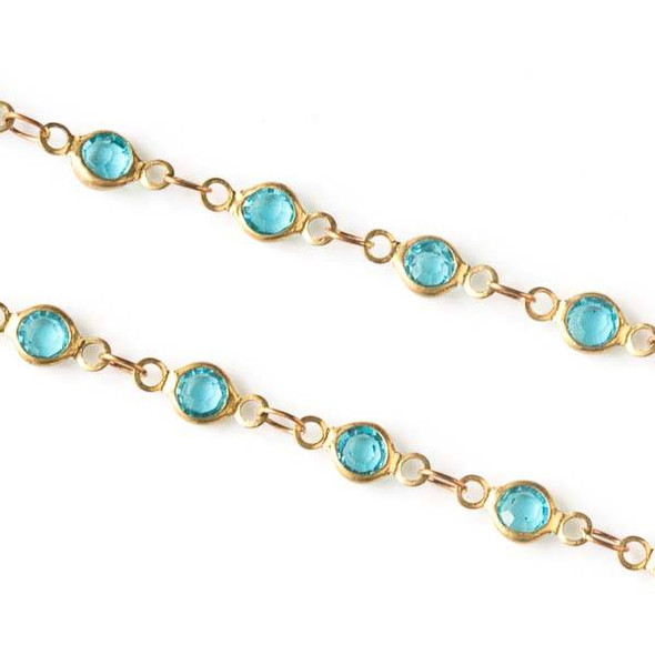 Brass Chain with 2.5x3.5mm Small Oval Links alternating with 4.5x9mm Aqua Crystal Coin Links - chain1323clrvb-sp - 10 meter spool