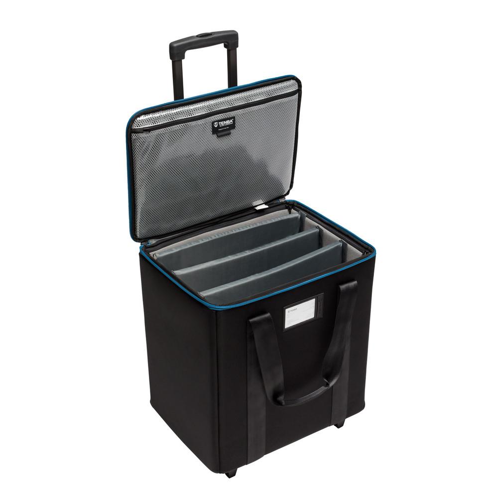 Transport 1x1 LED 3-Panel Case w/ wheels - Black